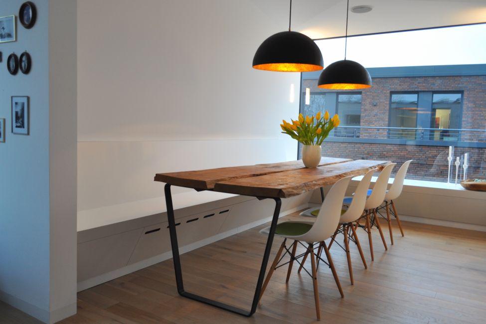Tische Stühle Bänke Klocke