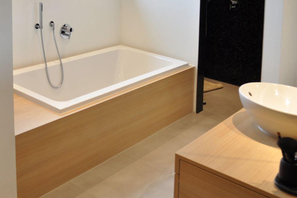badbereich dusche wanne klocke. Black Bedroom Furniture Sets. Home Design Ideas