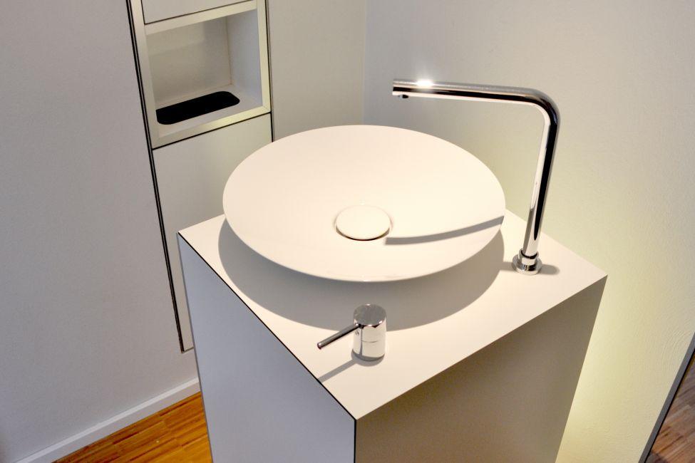 Moderne badm bel - Badezimmer corian ...