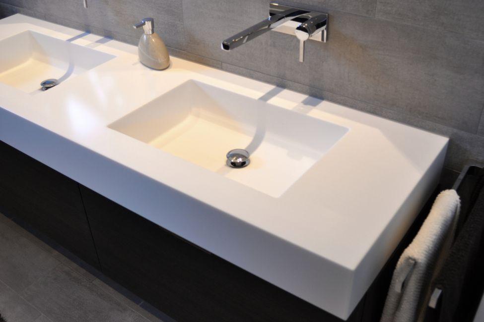 moderne badm bel. Black Bedroom Furniture Sets. Home Design Ideas