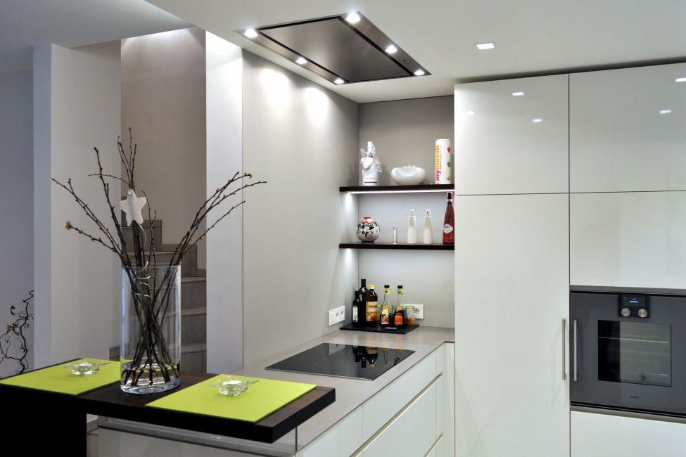Kuchen nach mass design pur kuchenarchitektur vom feinsten for Dunstabzug decke