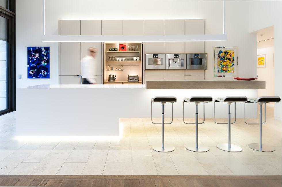 designer corian® küche mit kochinsel – modern, offen und geräumig, Kuchen