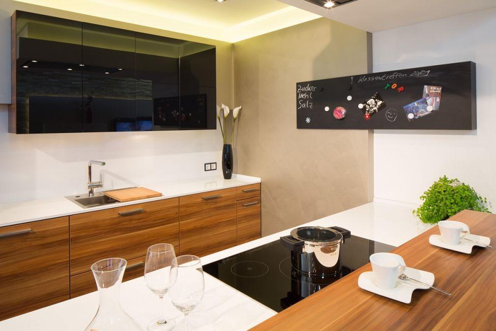 tafel fr kche elegant ideen fr kche klassisch und modern with gardinen fr kche with fr kche. Black Bedroom Furniture Sets. Home Design Ideas