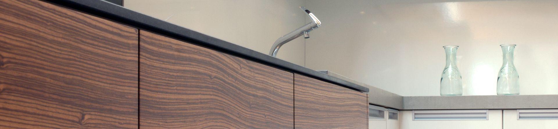 klocke k chen badm bel innenausbau magnetische. Black Bedroom Furniture Sets. Home Design Ideas